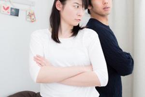 家具選びで喧嘩する夫婦